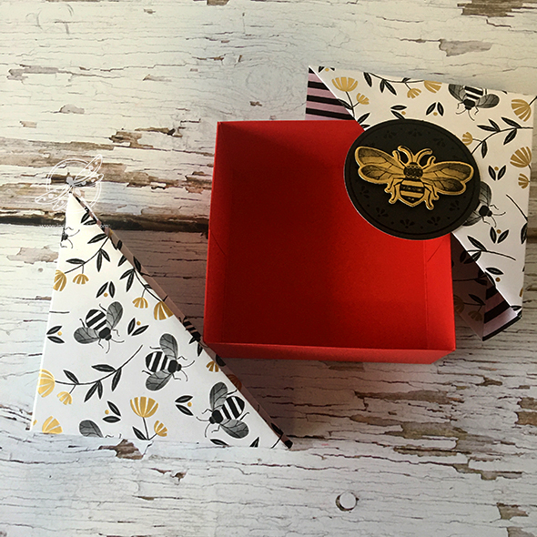 Diagonal Bee Gift Box Video Amanda Fowler Inspiring Inkin' Stampin' Up! UK