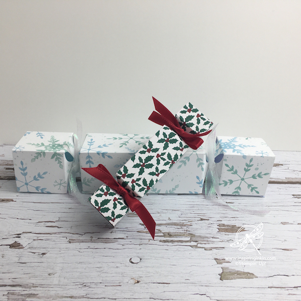 Craft and Chat : Christmas Crackers